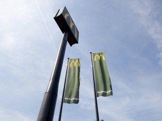 Signing-McDonalds